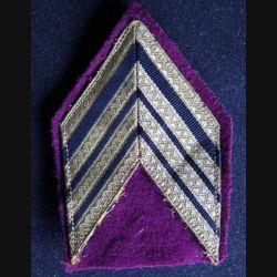 Galon de sergent major doré du service santé avec crochets
