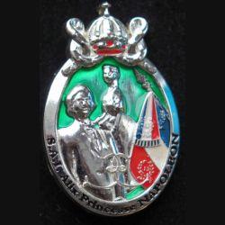 13° RDP : insigne du 13° régiment de dragons parachutistes SAI Alix princesse Napoléon IMC argenté lettres noires