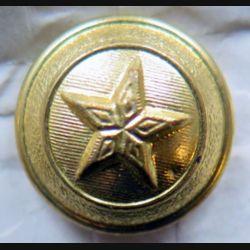 bouton d'uniforme militaire avec 2 poinçons au dos
