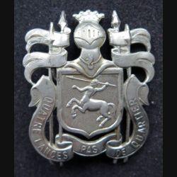insigne de béret du 4° régiment de lanciers belge sur plastique crème