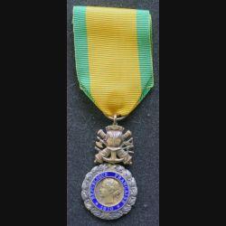 FRANCE : Médaille militaire 1870 3° république en argent émaux parfaits ruban neuf
