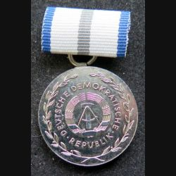 ALLEMAGNE DDR : médaille argentée de la santé Fur Treue Dienste  attache dessoudée