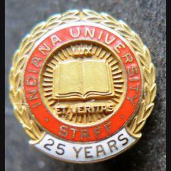 Boutonnière en or diamètre 1,5 cm 10 K de l'Indiana University 25 ans de service attribuée