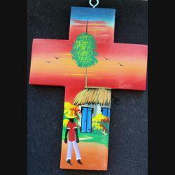 Crucifix haïtien en bois peint 17,5 x 12,5 cm
