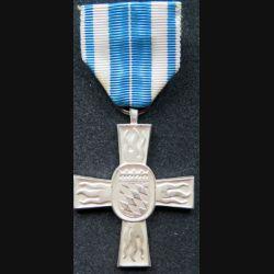 ALLEMAGNE : Médaille des pompiers de Bavière 1953 en argent (métal argenté)