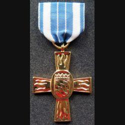 ALLEMAGNE : Médaille des pompiers de Bavière 1953 en or (métal doré)