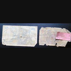 Billet de 10 francs et de 5 francs de l'Afrique occidentale très usagés