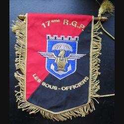 17° RGP : fanion des sous officiers du 17° Régiment du génie parachutiste 18 x 24 cm en fils argentés et dorés