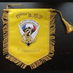 17° RGP : fanion de la 3° compagnie du 17° Régiment du génie parachutiste 18 x 24 cm en cannetille