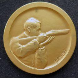 médaille en bronze doré du sous secrétariat de l'éducation physique offert par le Ministre diamètre 5 cm