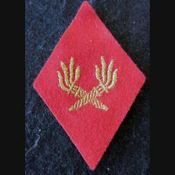 LOSANGE DE BRAS MODÈLE 45 :  modèle sous-officiers du Service des essences des armées SEA fil doré