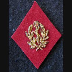 LOSANGE DE BRAS MODÈLE 45 :  Infirmier certifié (après 1960) du Service de santé des armées en cannetille