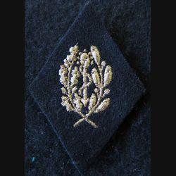 LOSANGE DE BRAS MODÈLE 45 :  personnel (cadre) du Service de santé de la coloniale fil doré