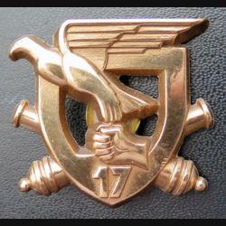 17° RA : insigne métallique du 17° régiment d'artillerie en broinze massif (Leblond)