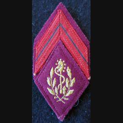 LOSANGE DE BRAS MODÈLE 45 :  Caporal auxiliaire sanitaire troupe du Service de santé des armées