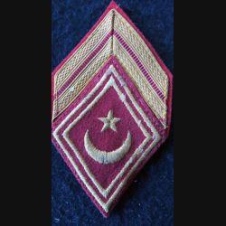 LOSANGE DE BRAS MODÈLE 45 : modèle brigadier des goums tunisiens (TST) du service des affaires indigènes