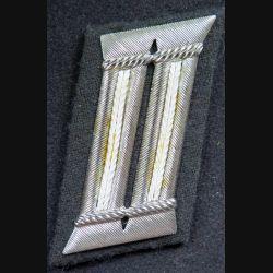 Patte de col d'officier de police allemand sur fond noir en cannetille argent n° 339