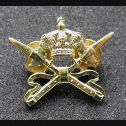 HOLLANDE : insigne métallique de col des spécialistes de l'armée