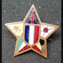 insigne après guerre WW2 avec éclat d'émail dans le drapeau belge