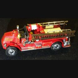 MATCHBOX MODELS OF YESTERYEAR YFE01 1920 MACK AC FIRE ENGINE