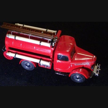 MATCHBOX MODELS OF YESTERYEAR YFE04 1939 BEDFORD WATER TANKER