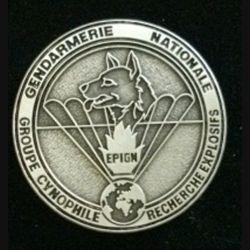 EPIGN : Groupe cynophile de recherche d'explosifs de l'EPIGN Boussemart 2002 modèle tout métal vieil argent