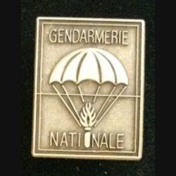EPIGN : insigne métallique de l'escadron parachutiste d'intervention de la Gendarmerie nationale EPIGN de fabrication Boussemart 2005 modèle tout métal vieil argent