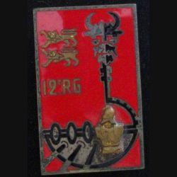 12° RG : insigne du 12° régiment du génie en émail de fabrication Drago G. 1978 inscription au pourtour