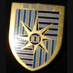 GAPI : insigne métallique du groupement administratif des personnels isolés de fabrication Fraisse Paris G. 2484
