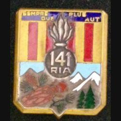 141° RIA : Insigne métallique du 141° régiment  d'infanterie alpine de fabrication Drago Béranger en émail