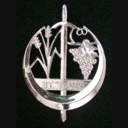 11° COMA : insigne de la 11° section des commis ouvriers militaires d'administration de fabrication Arthus Bertrand G. 1743 en métal