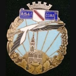 454° COMA : insigne de la 454° section des commis ouvriers militaires d'administration de fabrication Isler (signé Isler c'est rare) en émail