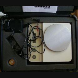 Balance électronique de précision OHAUS modèle C 305 S sans batterie avec tare dans sa boite de transport (C148)