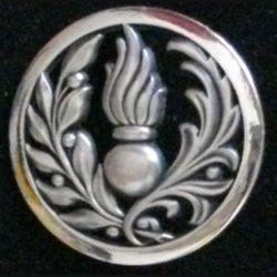 INSIGNE DE BÉRET DU COMMISSARIAT : insigne de béret du commissariat argenté plat fabrication béraudy