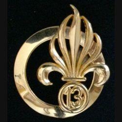 13° DBLE : insigne de béret de la 13° demi brigade de la Légion étrangère de fabrication Boussemart G. 4584 doré