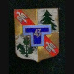 43° RT : insigne du 43° régiment de transmissions de fabrication Drago G. 2125 en émail dos guilloché argenté