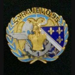 17° RGP 1° CIE FORPRONU : insigne de la 1° compagnie du 17° régiment du génie parachutiste Forpronu Sarajevo 1995 Capitaine Le Noene de fabrication Balme numéroté n° 043