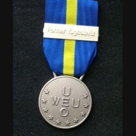 """EUROPE : médaille de l'Union européenne occidentale pour l'Ex-Yougoslavie (Western European Union Union) avec la barrette """"Former Yugoslavia"""" en métal argenté"""