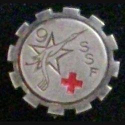 9° BMSSF : insigne du 9° bataillon médical du service de santé féminin, 20 mm de diamètre, peint de fabrication Drago Paris déposé