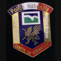 POLICE SAINT BRIEUC : insigne de la police nationale des Cotes d'Armor en émail avec un éclat dans le bleu de police de fabrication Destrée
