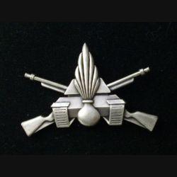 16° & 19° GC : Insigne métallique de brevet d'infanterie mécanisé de fabrication Delsart