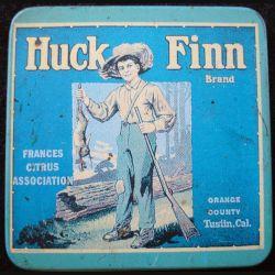 Magnet frigo représentant le dessus d'une boite de Huck Finn Brand frances citrus association