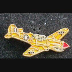 Pin's militaire : pin's représentant un avion de français de la seconde guerre mondiale