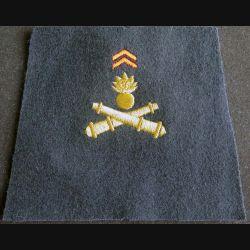 FOURREAU : fourreau d'épaule du service géographique des armées non cousu de forme trapézoïdal en fil doré