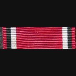 ALLEMAGNE : Ce ruban de la médaille de la Croix rouge a une longueur de 14 cm et une largeur de 2,9  cm