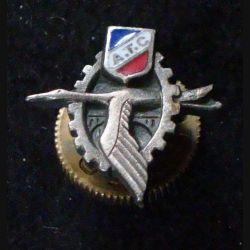 ATC  : insigne métallique de boutonnière inconnu de l'armée de l'Air ou association ?? de vieille fabrication Drago en émail