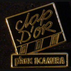 PIN'S PHOX : Phox caméra Clap d'Or de hauteur 2,5 cm