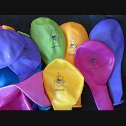 LEGION : Lot de 18 ballons de la légion de différentes couleurs (C60)