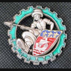 1° ET : insigne métallique du 1° escadron du train fabriqué par Delsart H. 582 finition translucide