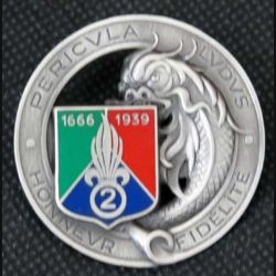 2° REC : insigne métallique